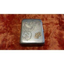 Портсигар с золотыми накл. в виде карт,сереб.,202г 253
