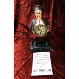 Каминные часы в форме чиновника в шляпе металл 19
