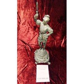 Статуэтка Рыцарь с факелом бронза 16